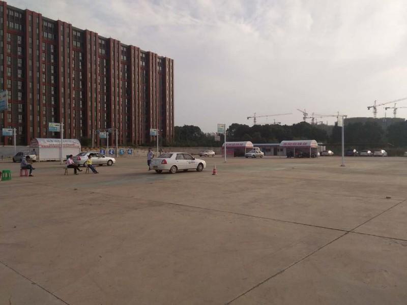 武汉什么驾校可以考大车驾照啊,什么驾校可以考b2驾照