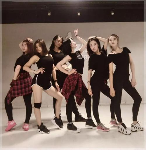 广州黄埔区专业舞蹈教练班,黄埔区的专业街舞团队,黄埔学爵士舞