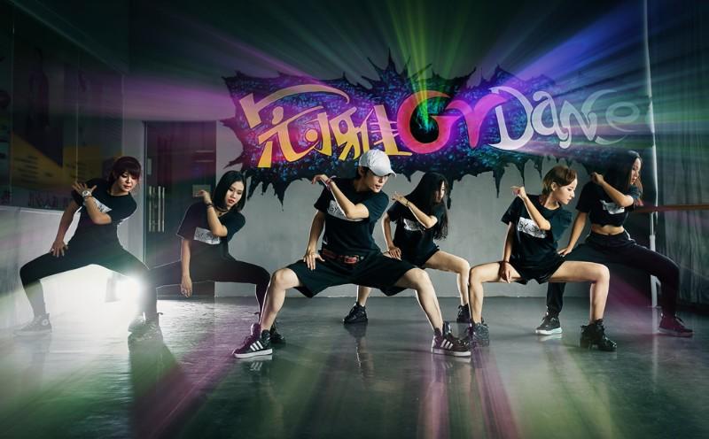 广州冠雅舞蹈机构提供上门鬼步舞教学可为年会提供舞蹈编排服务